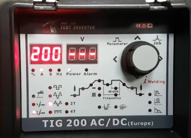 flama-tig-200-acdc-front-panel-at-work.jpg